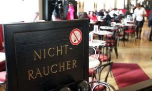 19.10.03 Fumo sigarette in locali pubblici, Rauchverbot