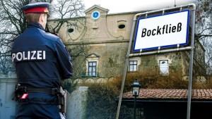 18.12.16 Polizia a Schloss Bockfliess