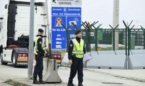 19.07.30 Polizia al confine