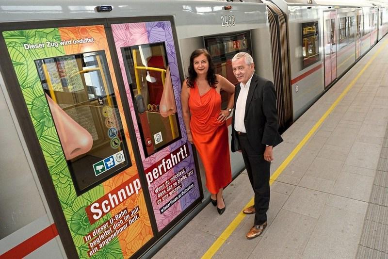 19.08.07 Vienna, metro profumata; Ulli Sima + Günter Steinbauer - Copia