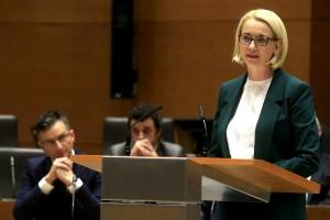19.12.22 Angelika Mlinar, Parlamento sloveno
