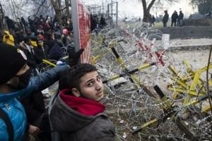 20.03.04 Profughi al confine turco-greco