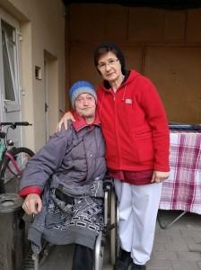 20.04.02 Badante romena con anziana austriaca - Copia