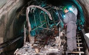 20.04.29 Kaprun, vagone bruciato nel 2000 (foto Franz Nuemayr)