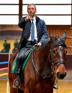 20.09.19 Herbert Kickl a cavallo