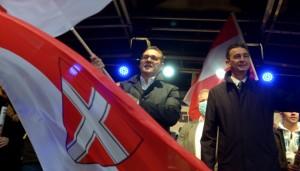 20.10.10 Heinz-Christian Strache con Karll Baron in Viktor Adler Markt, Vienna