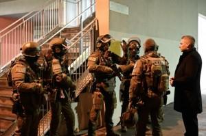 20.11.10 Polizia, reparto Cobra, operazione Luxor