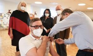 20.12.30 Vaccinazione in case per anziani