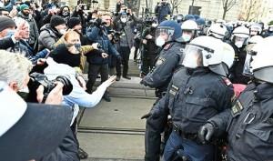 21.02.01 Manifestazione Covid Vienna 2 - Copia
