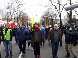 21.02.01 Manifestazione Covid Vienna, corteo religioso - Copia