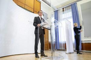 21.04.14 Rudol Anschiber annuncia dimissioni