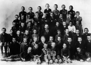 Hitler in der Volksschule