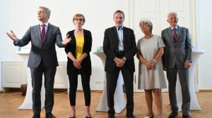 21.06.17 Promotori referendum (Volksbegehern) contro corruzione