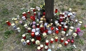 21.06.03 Lumini per 13 anni morta Donaustadt Vienna