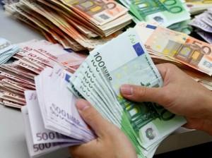 21.08.26 Banconote, denaro in contanti
