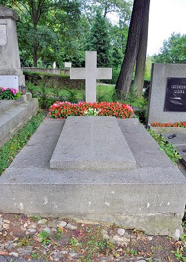 21.09.02 Tomba di Elisabeth Marie Absburg (Petznek) cimitero Hüttelsdorf - Copia