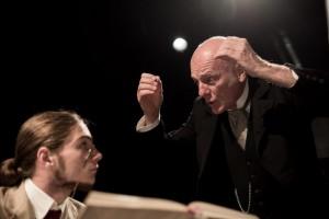 """Luca Radaelli (a destra) e Gabriele Vollarro in una scena di """"Bartleby"""""""