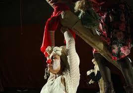 """Una scena di """"L'albero"""", il nuovo spettacolo dell'Odin Teatret"""