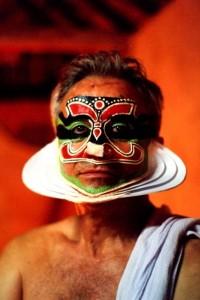 Beppe Chierichetti truccato per uno spettacolo di Kathakali