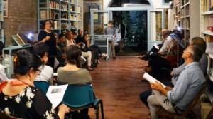 """Renata Molinari conduce uno degli incontri alla """"Bottega dello sguardo"""""""