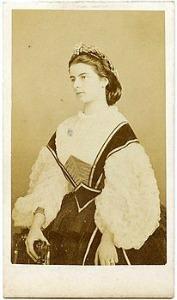 Maria Sofia di Baviera - Borbone in un ritratto del fotografo romano D'Alessandri
