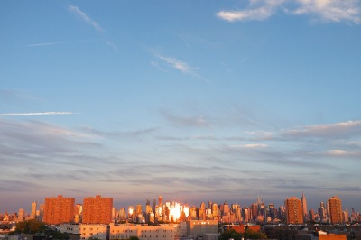 Tramonto sullo skyline di Manhattan, 2012, foto di Michele Smargiassi, licenza Creative Commons