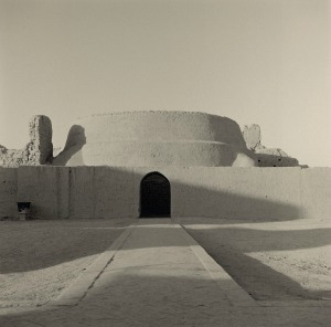 Lynn Davis, China, Ancient city of Gaochang, Buddhist Temple, Tupan, 2001, Lynn Davis, g.c.