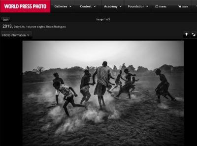 Daniel Rodrigues, Football in Guinea Bissau, 2012, Daniel Rodrigues, screenshot dal sito del World Press Photo