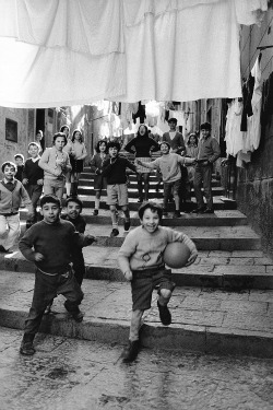 Pepi Merisio, Rione Stella a Napoli, 1983, Pepi Merisio, g.c.