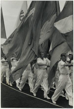 Henri Cartier-Bresson, Giornata dello sport allo stadio Dinamo di Mosca, 1954, © Henri Cartier-Bresson/Magnum Photos/Contrasto