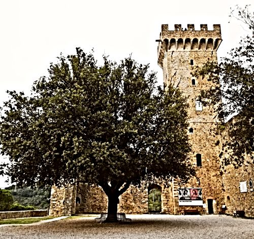 CastelnuovoMagra