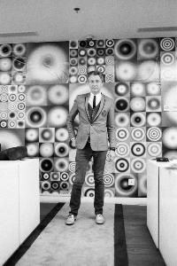 9. Walead Beshty_Kunsthalle Director