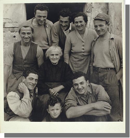 HAZEL KINGSBURY STRAND, La famiglia Lusetti, Luzzara 1953