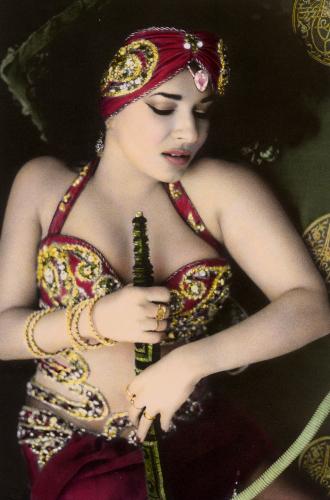 Natacha fume le narguile, Cairo 2000