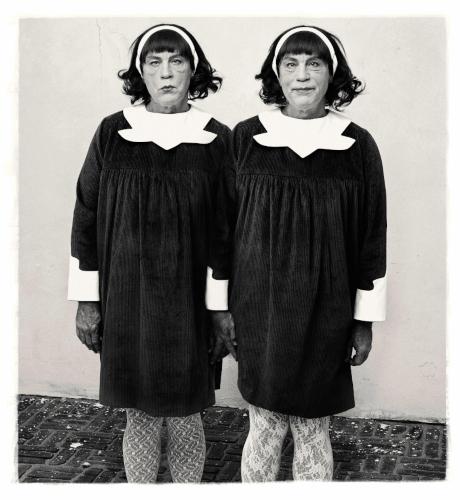 45 MALKOVICH Arbus. Identical Twins