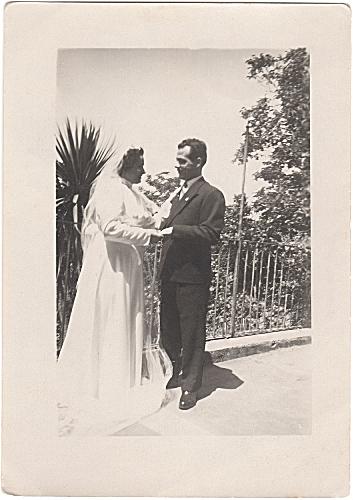 Fig.4 Anonimo, Senza titolo [Sposi in terrazza], 1954
