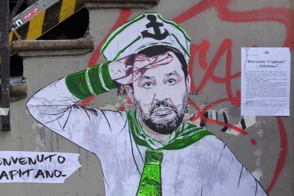 20190516__Benvenuto_Capitano_Schettino___a_Milano_il_murale_contro_Salvini