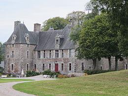 260px-Château_de_Cerisy_03