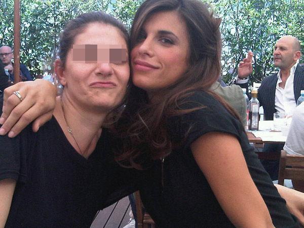 Elisabetta con un'amica a Los Angeles (foto postata sul suo profilo)