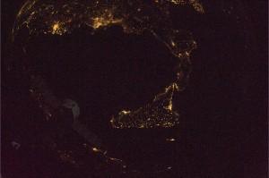 Per gli amici siciliani e calabresi  Credit: ESA/NASA