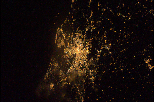 Auguro a tutta Roma un meraviglioso Capodanno ! (Roma di notte, vista da est)