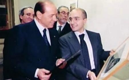 Berlusconi in visita al Roma nel 2000: editore Tatarella, direttore Sangiuliano