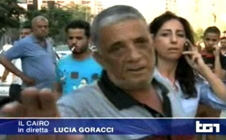 Lucia Goracci durante la diretta dal Cairo