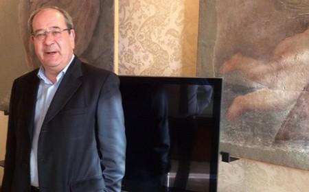 Il sottosegretario Giacomelli nel suo ufficio a Largo di Brazzà