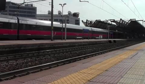 La stazione di Rogoredo, vicinissima a Sky Milano
