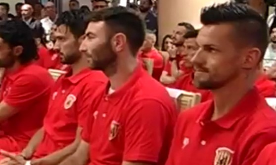 Serie B: Maggio (primo da sinistra) e Lucioni del Benevento