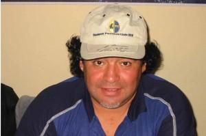 Maradona alle Polle col cappellino del Modena
