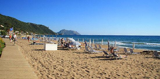 aghios-gordios-beach