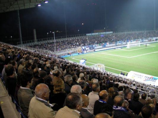 Lo stadio Piola di Novara, i tifosi locali hanno già esaurito i circa 8000 biglietti a disposizione per domenica