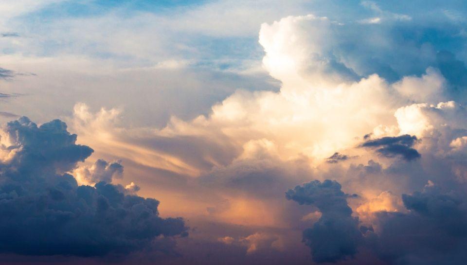 Una nube ci capì (di Andrea Calcagnile)